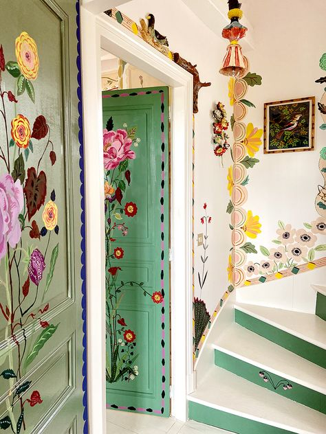 French Artist Nathalie Lete Is Painting Her Home Full of Flowers - - While sheltering in place, French artist Nathalie Lete is filling her country home with flowers—that she paints on every surface. Apartment Inspiration, Interior Inspiration, Creative Inspiration, Deco Boheme, Cheap Home Decor, My Dream Home, Interior And Exterior, Interior Office, Interior Livingroom