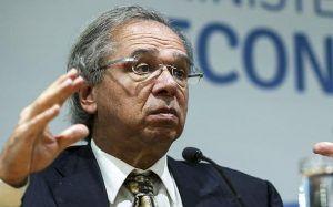 Paulo Guedes quer 'simplificação brutal de impostos'