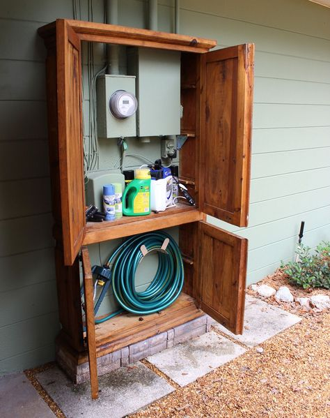 Awesome DIY Outdoor Eyesore Hiding Ideas To Beautify Your Garden Lovely Cabinet Hides Utility Box and Garden Tools Backyard Projects, Outdoor Projects, Home Projects, Diy Backyard Improvements, Garden Projects, Sewing Projects, Armoire Makeover, Garage Makeover, Backyard Makeover