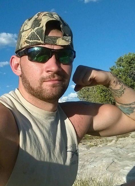 9d2677e3b Country/Redneck Men : Photo