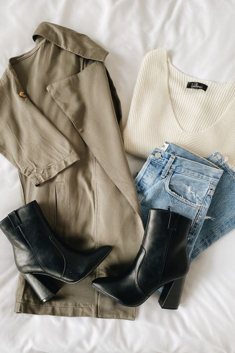 Stay cozy in these versatile staples! Lulus Lucky Break Olive Oversized Jacket is a must-have lightweight jacket to transition into colder weather. Pair with black bootes, lived-in denim and a soft white sweater for a cute fall outfit. #lovelulus