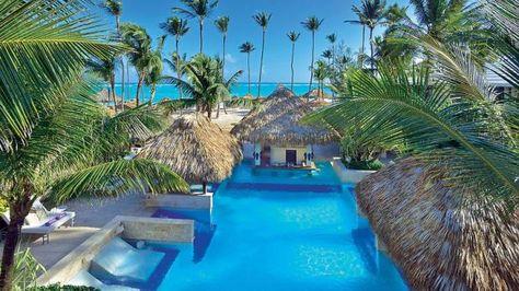Paradiesisch, soweit das Auge reicht: Das 5-Sterne-Hotel Paradisus Punta Cana in der Dominikanischen Republik liegt direkt am  Strand der Playa Bávaro - einer der schönsten Strände der gesamten Karibik: der puderzuckerweiße Sandstrand fällt zum Wasser hin sanft ab und lädt zum Sonnenbaden und Schwimmen ein.  www.bucher-reisen.de