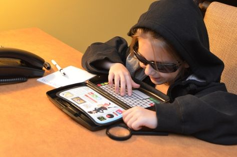 Make a pretend spy laptop from travel wipes box, paint, and free printables for screen and keyboard