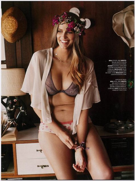 Robyn Lawley in Australian Cosmopolitan. To make us feel beautiful about our imperfect tummys