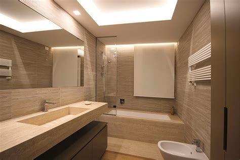 Risultato Immagine Per Bagni Travertino Bianco Lighted Bathroom