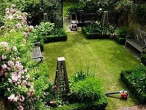 Mit etwas Geschick lässt sich ein kleiner Reihenhaus Garten ...