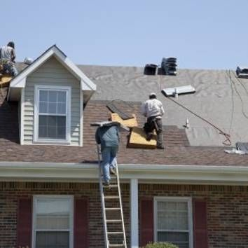 If You Want To Hire Professional Roofer In Los Angeles Just Call Us Call 310 972 8899 Email Info Wideawakeroofing C Roof Installation Roof Repair Roofing