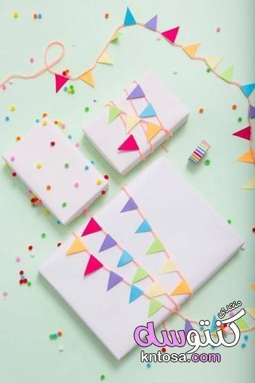 اشكال تغليف هدايا بالورد طريقة تغليف الهدايا بالقماش طريقة تغليف الهدايا بالخطوات تعلم تغليف الهدايا Creative Gift Wrapping Simple Gift Wrapping Gift Wrapping