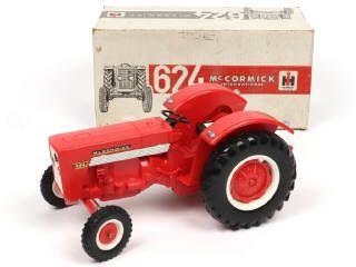 Mont Blanc France Ih Mc Cormick 624 Tracteur Agricole Rouge A B Fabrique En Plastique Echelle 1 12eme Version Sans Tracteur Agricole Tracteur Mont Blanc