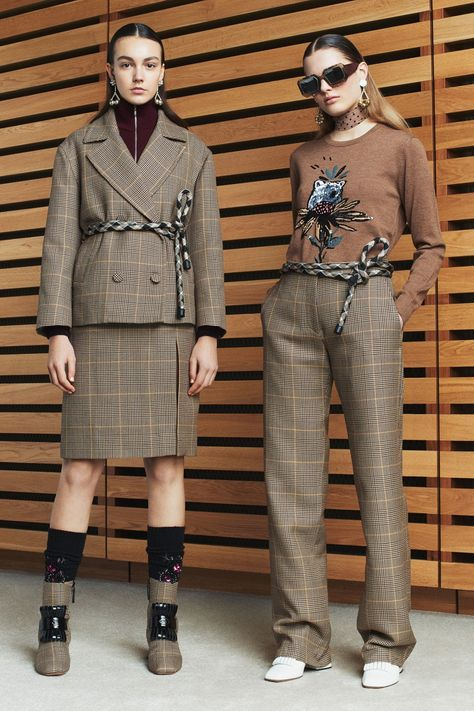 Markus Lupfer Fall 2017 Ready-to-Wear collection, runway looks, beauty, models, and reviews.