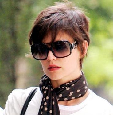 Short Hair Styles for Women with Round Faces