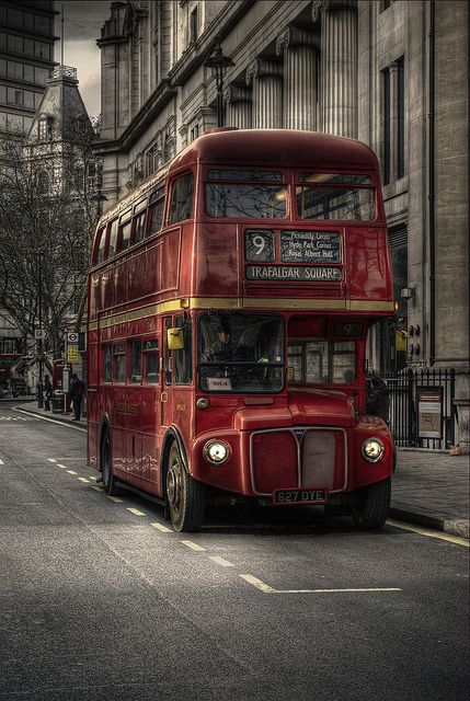 Old Routemaster London Bus.I'm fascinated with this, it's absolutely beautiful. London England, England Uk, London Bus, London Underground, Foto Hdr, Routemaster, Double Decker Bus, Hdr Photography, Destination Voyage