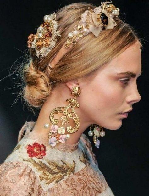 Dolce & Gabbana, The Purple Velvet , cute hair, model Cara Delevingne.