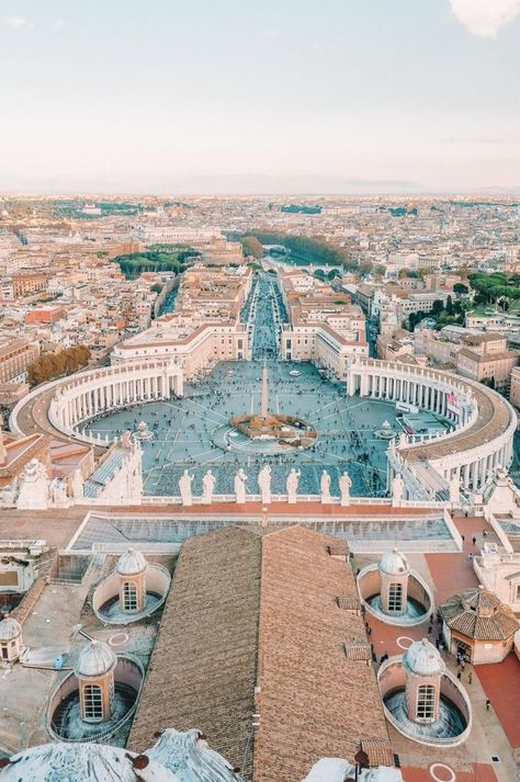 15 Top Places To Visit In Rome Rome is just one of those cities that's bound to impress you. It's the kinda city you visit and don't really realise how much there is to see and do in Rome before you arrive. Rome Travel, Italy Travel, Italy Vacation, Usa Travel, Luxury Travel, Arquitectura Wallpaper, The Places Youll Go, Places To Go, Rome Places To Visit