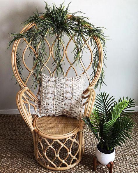 Egg Chair Riet.Versier Je Rotan Stoel Met Planten Voor Een Leuk Effect Decorate