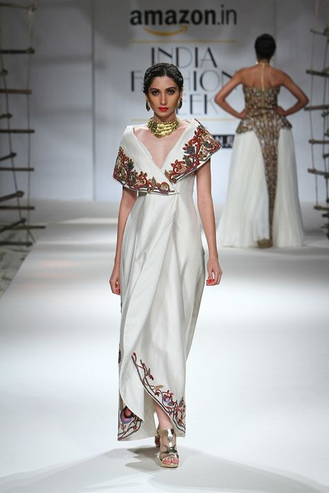 Ideas for fashion dresses indian couture week