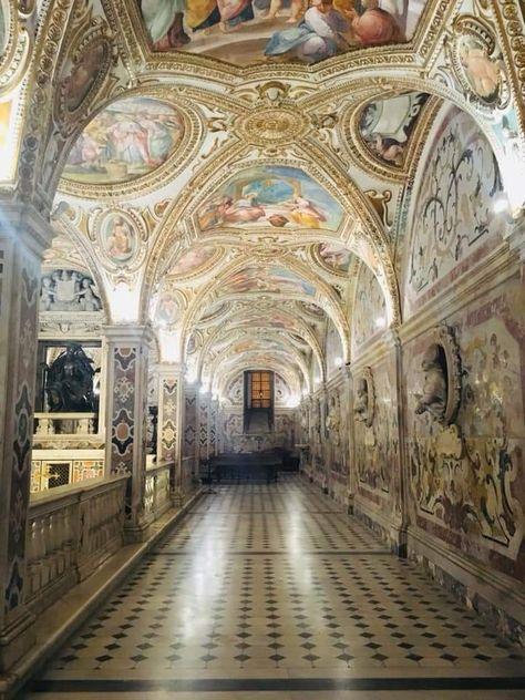 Abiti Eleganti Salerno.Cripta San Matteo Duomo Salerno Cattedrali