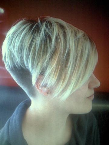 Nach Oben Kurzhaarfrisuren Hinten Kurz Vorne Lang Kurzhaarfrisuren Haarschnitt Bob Haarschnitt