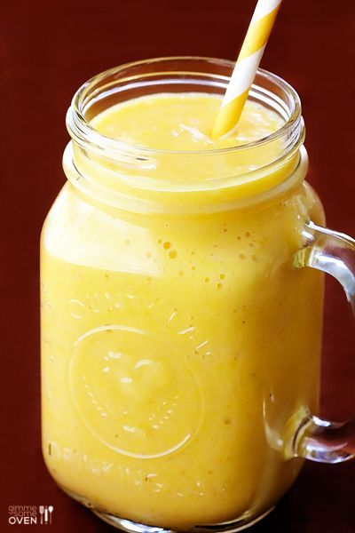 Pineapple Ginger Smoothie -- super easy, and of course, super good | gimmesomeoven.com #breakfast