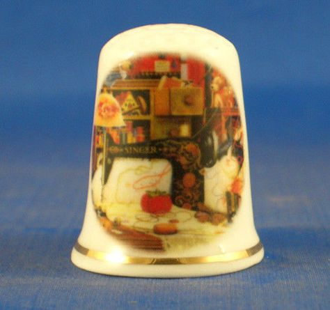 FREE GIFT BOX OLD COCA COLA ADVERTISING FINE PORCELAIN CHINA THIMBLE