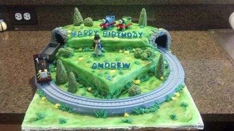 Remarkable Fondant Thomas The Train Cake With Moving Train Facebook Com Funny Birthday Cards Online Sheoxdamsfinfo