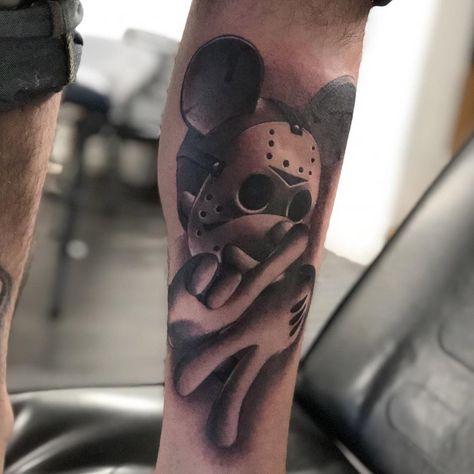 #tattoo #tätowierung #kunst #körperkunst #idee #design #tattoospirit #maus #walt disney #maske #wade #männlich #newschool #comic