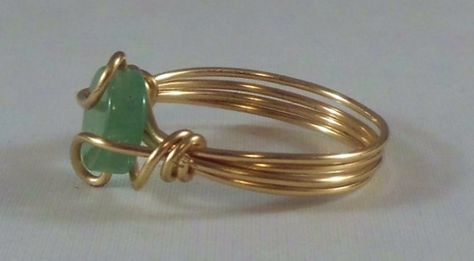 This is a cute little zambian emerald coin bead, and wrapped with gold tone artistic wire. Size I can also customize this ring any size and also make it in silver as well. Diy Wire Jewelry Rings, Handmade Wire Jewelry, Wire Jewelry Making, Diy Rings, Handmade Rings, Bead Jewellery, Metal Jewelry, Diy Stone Rings, Jewlery