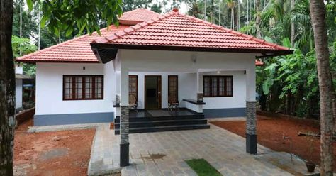 3 Bedroom Home In 1500 Sqft For 25 Lakhs With Free Plan Free Kerala Home Plans Courtyard House Plans Village House Design Traditional House Plans