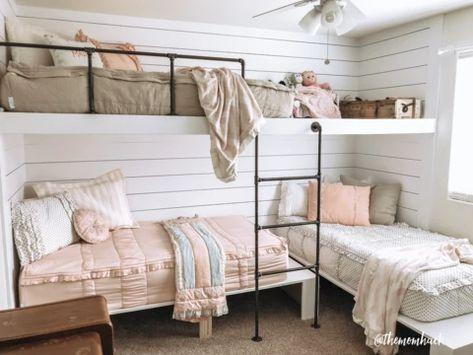Triple Bunk Beds, Bunk Beds Built In, Modern Bunk Beds, Kids Bunk Beds, Built In Beds For Kids, Build In Bunk Beds, Dorm Bunk Beds, Bunk Bed Wall, Cabin Bunk Beds