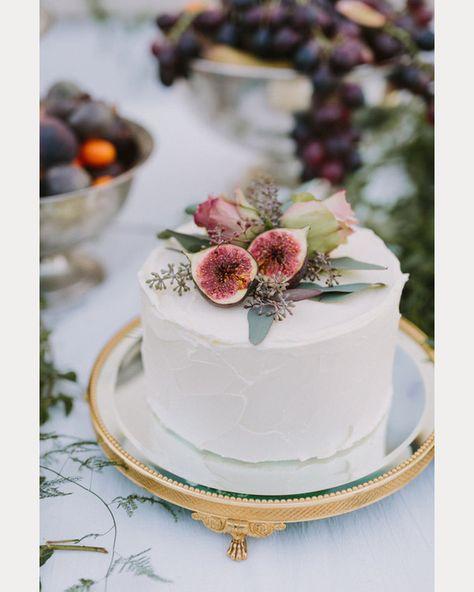 Autumn wedding cake and topper ideas | Wedding Ideas magazine