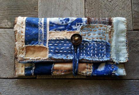 Main teint Indigo et noyer Shibori Portefeuille chéquier embrayage Mini Sashiko Boro cousu Mended japonais main cousu Style