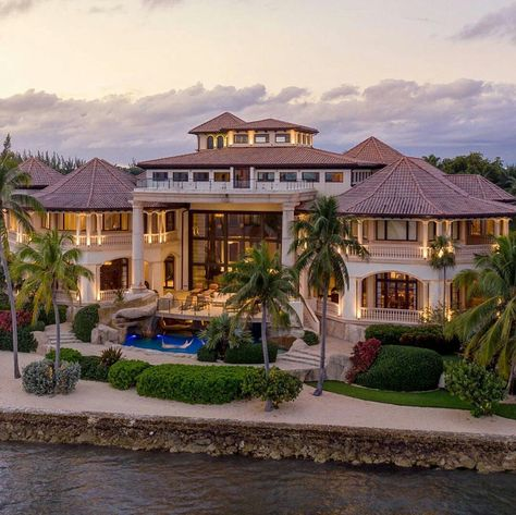 Grand Cayman, Corolla Toyota, Luxury Boat, Mega Mansions, Luxury Mansions, Beachfront Property, Luxury Homes Dream Houses, Waterfront Homes, Cayman Islands