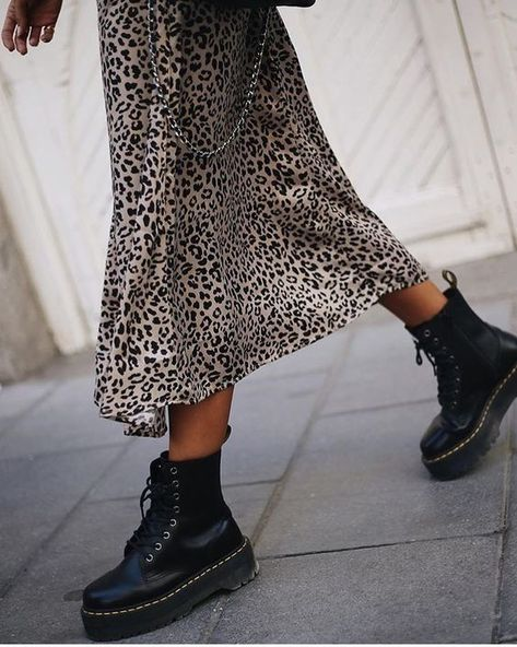 Black boots | Laced boots | Platform boots | Leopard dress | Inspiration | More on Fashionchick