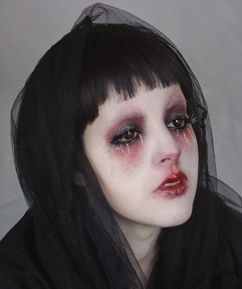 This is for those of us that don't always fit into the meta looks of MUA. For those that like to do SFX makeup, goth makeup, editorial looks, or. Lolita Makeup, Edgy Makeup, Grunge Makeup, Dark Makeup, Makeup Inspo, Makeup Art, Halloween Eye Makeup, Clown Makeup, Makeup Eyes