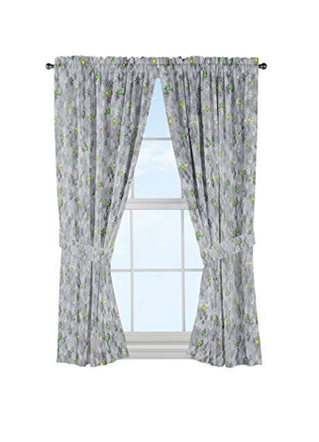Jay Franco Mojang Minecraft Spawn Gray 4 Piece Curtain Drape Set