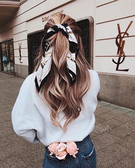 Hairstyles with scarves that look pretty and trendy # look Frisuren mit Schals, die hübsch und modisch aussehen # look – - Unique Long Hairstyles Ideas Hair Ribbons, Ribbon Hair, Easy Hairstyles, Hairstyle Ideas, Blonde Hairstyles, Hairstyles With Scarves, Wedding Hairstyles, Winter Hairstyles, Bandana Hairstyles For Long Hair