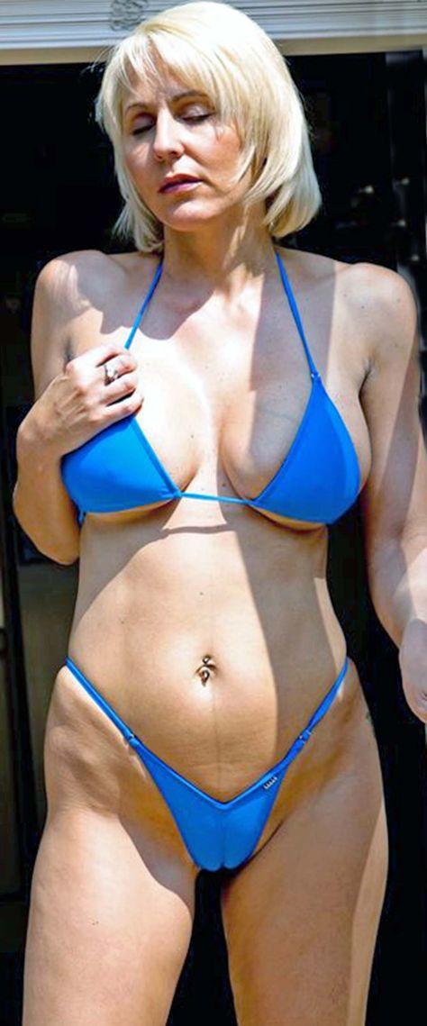 vanessa blue boobs