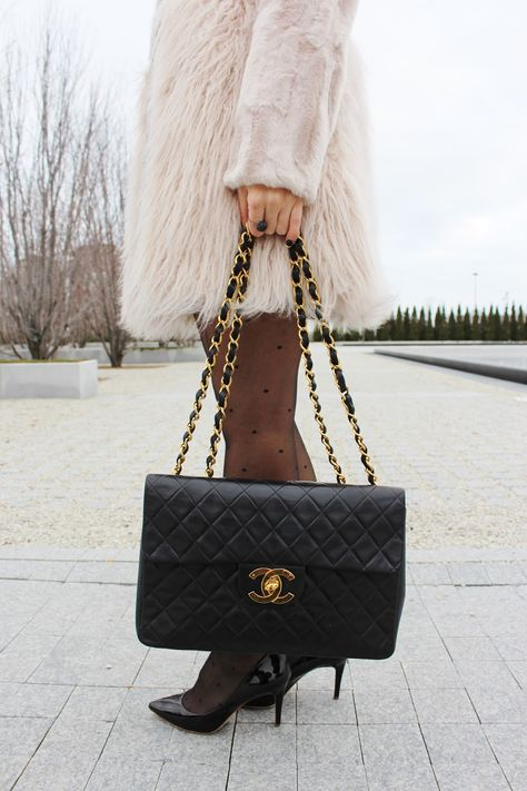 c4645c159c0ec7 Bijuleni - Vintage Jumbo Xl Chanel Handbag. More Details · Sweet & Spark