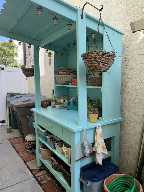 Outdoor Potting Bench, Pallet Potting Bench, Potting Tables, Potting Bench With Sink, Garden Yard Ideas, Diy Garden Projects, Backyard Ideas, Potting Station, Garden Sink