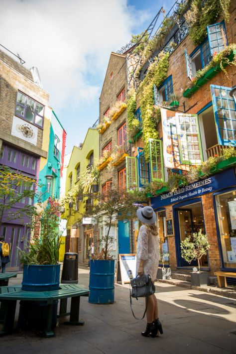 Gal Meets Glam - 2014 October 9 - Exploring Covent Garden - Location: London, Neal's Yard - TRAVEL PHOTO 1