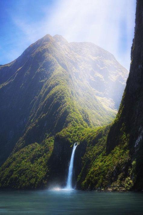 lsleofskye:  Milford Sound NZ