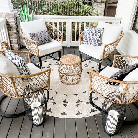 Front Porch Furniture, Outdoor Furniture Sets, Deck Furniture, Furniture Ideas, Outdoor Decor, Front Porch Seating, Patio Seating, Outside Seating, Seating Areas