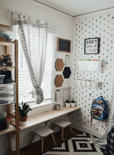 & DIY Desk With school back in session, this mama needed to get organized fast! We spent a whole day going through old clothes and toys, and threw away almost 8 Big Boy Bedrooms, Kids Bedroom, Bedroom Decor, Boy Toddler Bedroom, Toddler Rooms, Boy Rooms, Kids Rooms, Boys Room Decor, Boys Room Design