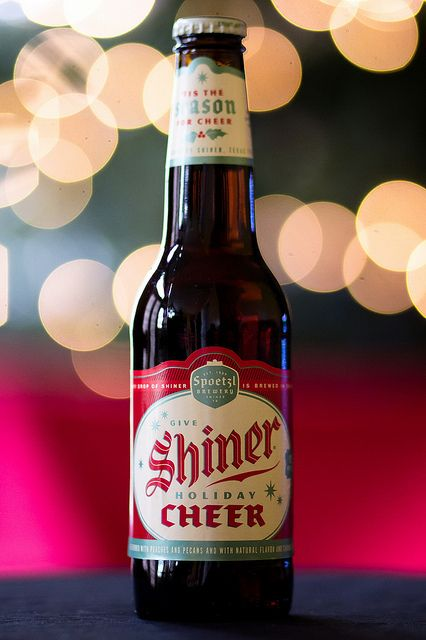 Shiner Holiday Cheer With Images Holiday Beer Beer Goggles
