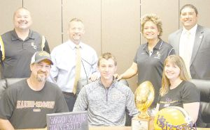 Dallas Polasek To Play For Hardin Simmons School Signs Wilson County Hardin Simmons