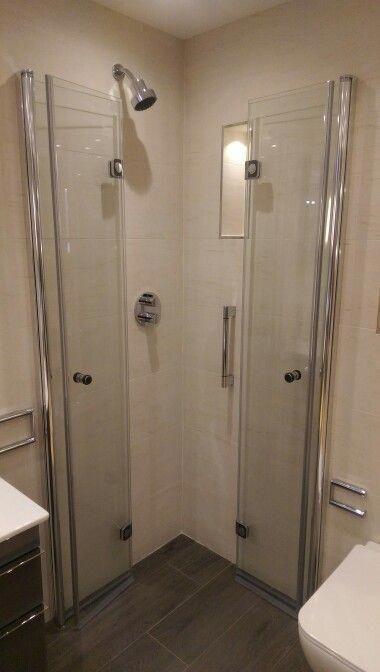 Choosing A New Shower Stall Shower Doors Small Shower Room Small Bathroom