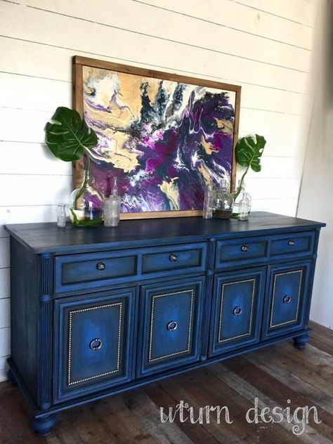 Funky Furniture dans un nouveau monde Funky Furniture, Shabby Chic Furniture, Refurbished Furniture, Decor, Blue Furniture, Blue Paint, Paint Furniture, Blue Furniture Living Room, Diy Furniture