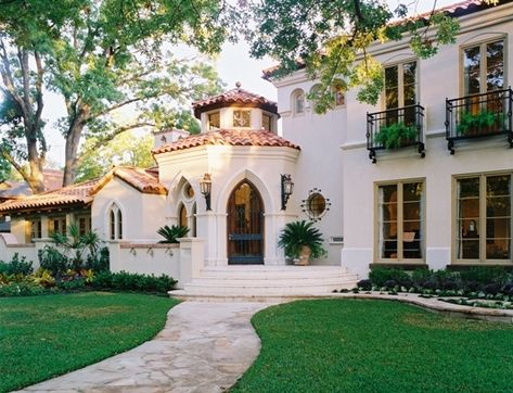 spanish style homes pictures - Mediterranean Home Decor Products - internationally inspired Mediterranean House Plans, Mediterranean Architecture, Mediterranean Decor, Mediterranean Homes Exterior, Spanish Style Homes, Spanish House, Spanish Design, Spanish Colonial, Dream Homes