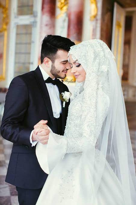 Pin Von Leilaa Auf Muslim Couple Muslimische Hochzeit Muslimische Brautkleider Hochzeit