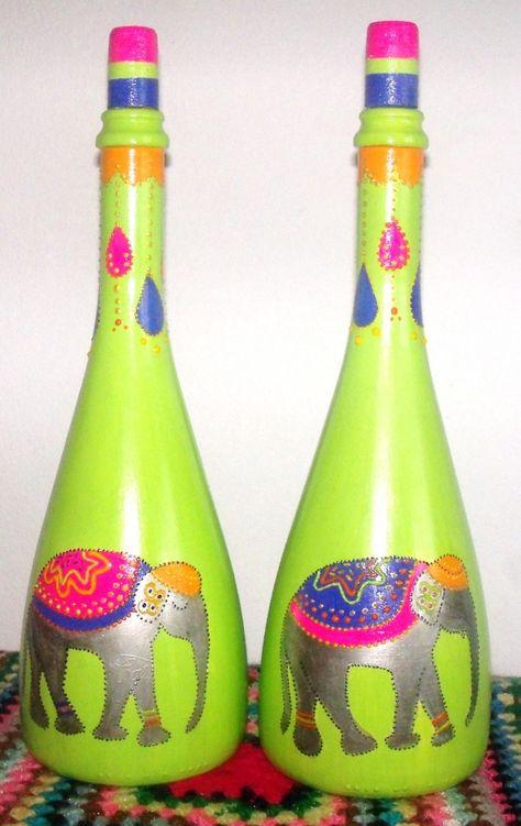 botellas decorativas pintadas totalmente a mano, con mucho relieve